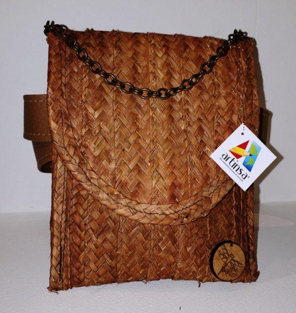 Pieza de artesanía - Monedero de Venezuela en mapire y cogollo, ideal para ser usado como cartera cultura venezolana - hecha por margariteños