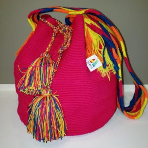Cartera o bolso Wayuú - artesanía de Venezuela - tejido en algodón por artesanos aborígenes de Venezuela y Colombia - Artinsa arte venezolano presente en el Mundo