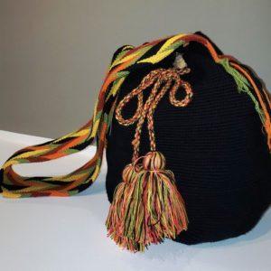 Morral, carteras y bolsos Wayúu Artesanales de Venezuela - Tiendas online de artesanía Venezolano - Artesanías y arte de latinoamérica Tejidos Wayúu en algodón - diseño de color negro