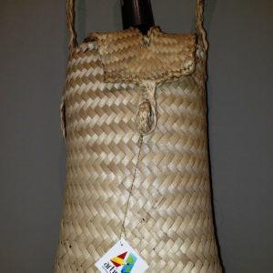Pieza artesanal de Mapire - Porta botellas hecho 100% en Venezuela por manos de artesanos y artistas del Estado Nueva Esparta